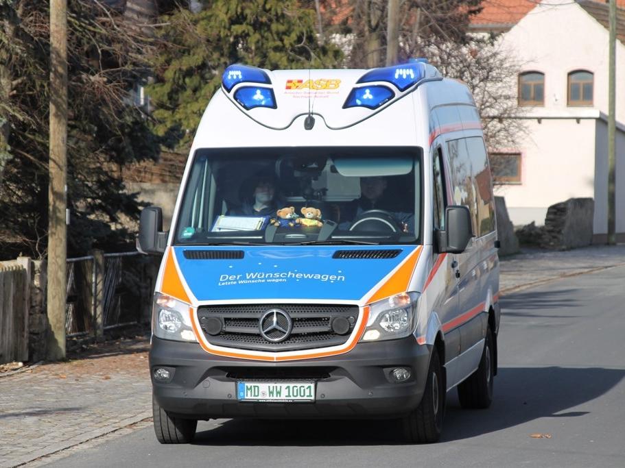 Wünschewagen-Sachsen-Anhalt-Diamentene Hochzeit-Letzte-Wünsche-wagen-3.jpg